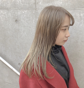 柔らかくみせるミルクティカラー☆ Atoroのヘアスタイル