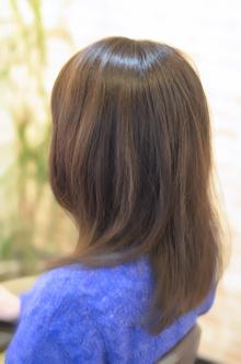 ナチュラルミディ|SQUASHのヘアスタイル