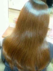髪がキレイに見えるツヤカラー|SQUASHのヘアスタイル