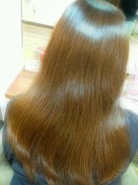 髪がキレイに見えるツヤカラー