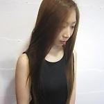 清潔感漂うサラサラストレート|エーカムサットのヘアスタイル