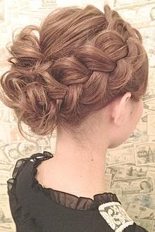 【b-arts】人気NO1!編み込みアレンジ★結婚式に〜♪|hair brand b-artsのヘアスタイル