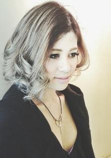 【b:Ash】プラチナシルバーグラデーション|hair b:Ashのヘアスタイル