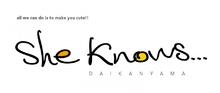 She knows…  | シーノウズ  のロゴ
