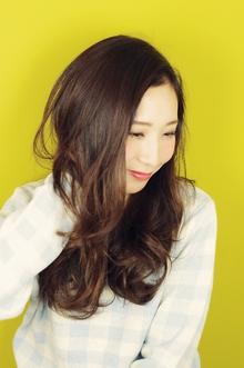【ロング】ゆるふわ×ピンクアッシュ|aurum hair&spa 下北沢のヘアスタイル