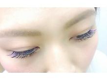 いつものエクステにポイントカラーで華やかに☆|Freya Eyelash&Facial Total Beauty Salonのヘアスタイル