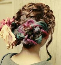 編み込みアップアレンジ|aura hair maisonのヘアスタイル