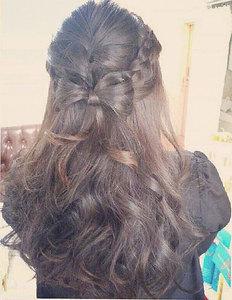 編み込みリボンアレンジ|aura hair maisonのヘアスタイル