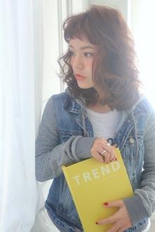 ★sCene★ 外国人風ふわふわセミディ|sCene ESTのヘアスタイル