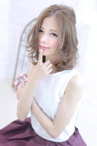 ☆sCene☆ 透明感のあるミディアムヘア