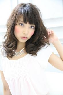☆sCene☆ほつれカールセミディ|sCene ESTのヘアスタイル