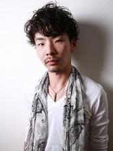 ☆sCene☆ 柔らかい雰囲気のパーマスタイル|sCene EST 松田 永昌のメンズヘアスタイル