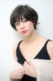 黒髪ひし形ショート|odd-jobs 可部店のヘアスタイル