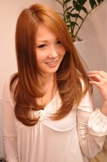 プラチナストレート|GALLARIA Elegante 春日井店のヘアスタイル