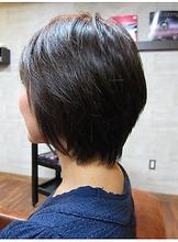 クールでキュートなショート|美容室 OPTIONのヘアスタイル
