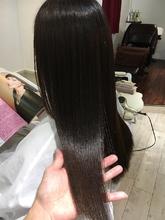 縮毛矯正(波状毛と膨張毛) Chez Moiのヘアスタイル