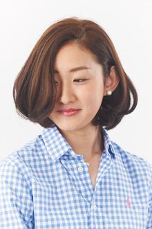 フェミニン&セクシーな耳かけボブ|美容室さかもと 本店のヘアスタイル