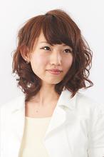 凛とした女らしさが漂うフェミニンカール|camellia HAIR イオンモール高松店のヘアスタイル