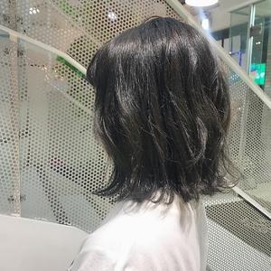 ブルージュ切りっぱなしボブ|Hip's eyes 大宮店のヘアスタイル