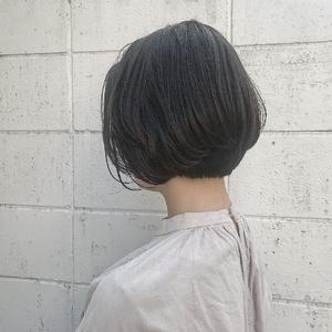 前下がり エアリーショートボブ|Hip's eyes 大宮店のヘアスタイル
