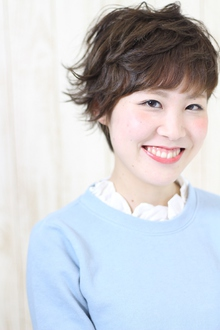 スタイリング簡単無造作ショート☆プラチナカラー|Hip's deco 大宮店のヘアスタイル