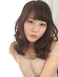 ピュアふわミディ☆アンバーアッシュ☆|Hip's deco 大宮店のヘアスタイル