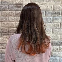 アッシュベージュ×インナーサニーオレンジ|Hip's deco 大宮店 榊 風子のヘアスタイル