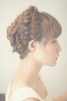 大人可愛い 編み込みアップスタイル♪|Cia birthのヘアスタイル