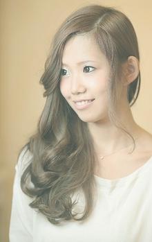 ハッピームードただよう無造作な強めウェーブ☆|Cia birthのヘアスタイル