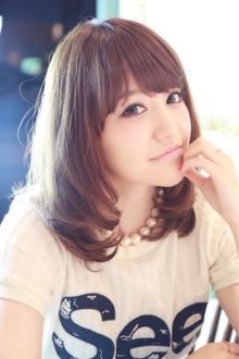前髪&顔周りで見せる小顔ミディアム☆|Cia birthのヘアスタイル