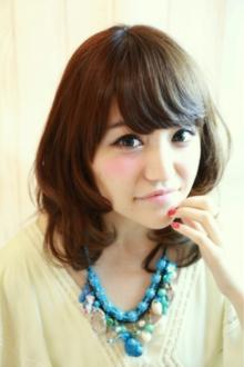 小顔に見えるナチュラルセミディ☆|Cia birthのヘアスタイル