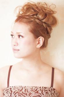 みつあみカチューシャ★カールアップ|Cia birthのヘアスタイル