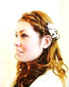 ハーフアップ風なガーリー編み込みアレンジ Carat hair makesのヘアスタイル