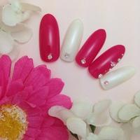 ピンク×ホワイトネイル