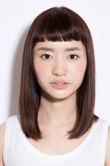 ミディアムストレート×ぱっつんショートバング♪ RICCA HAIR DESIGN リッカヘアデザインのヘアスタイル
