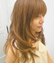 ツヤをそこなわないようにレイヤーを控えめにしたヘルシースタイル|NIDOL for hairのヘアスタイル