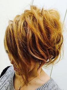 カラー Luire HAIRのヘアスタイル