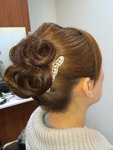 アップ2 Luire HAIRのヘアスタイル
