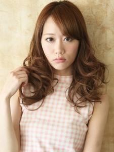 フェミニン度の高い巻き髪がモテ推し女子から人気 hair ARKS 上大岡店のヘアスタイル
