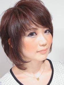 ミディアムショートレイヤー|hair salon Hiviraのヘアスタイル