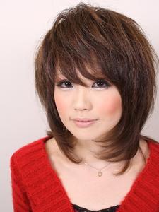 ワイルドベリーミディアムレイヤー|hair salon Hiviraのヘアスタイル