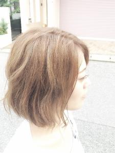 前下がりウェーブボブ|Ricca hairのヘアスタイル