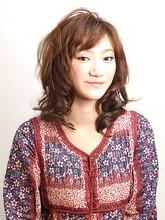 ぷるふわミディアム・ランダムカール|38のヘアスタイル