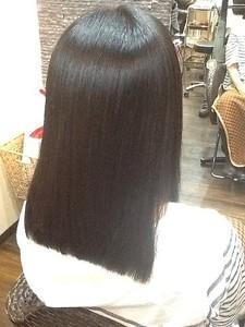 ツヤストレート|COURT 武蔵藤沢のヘアスタイル