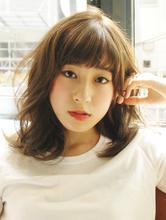 【MRK】ナチュラル ふわミディ☆ハイトーン×アッシュカラー|MRK Hair & Makeのヘアスタイル