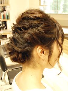 【MRK】ねじりあげ外国人風アップ|MRK Hair & Makeのヘアスタイル