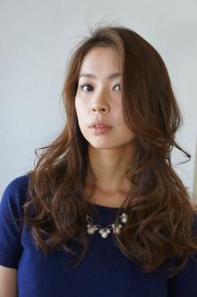 前髪長めのクールスタイル|Reveのヘアスタイル