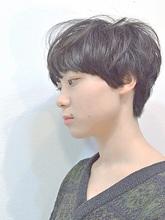 しなやかに動く髪、短い髪ほど女性を感じる|a.oo.i.のヘアスタイル