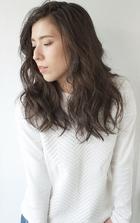 外国人風グレージュカラー☆ルーズな大人パーマスタイル☆|The C by afloatのヘアスタイル