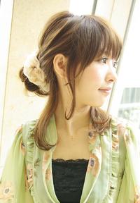簡単なシュシュアレンジ☆ミディアムヘア